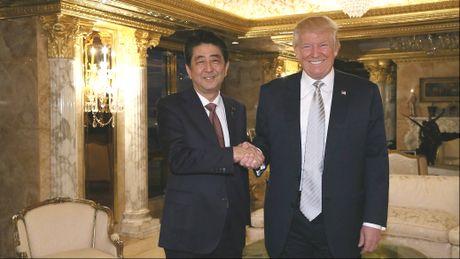 Ong Abe khen ong Trump la nha lanh dao dang tin cay - Anh 1