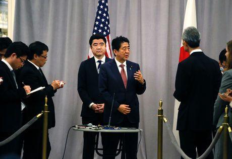 Ong Abe khen ong Trump la nha lanh dao dang tin cay - Anh 2
