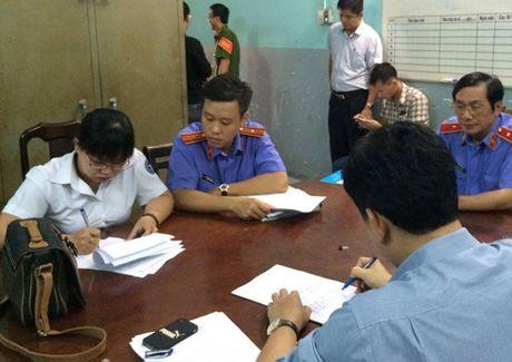Nguyen chap hanh vien Thi hanh an dan su quan 3 bi bat - Anh 3