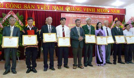 Dak Lak: Bieu duong Truong ban cong tac Mat tran tieu bieu - Anh 2