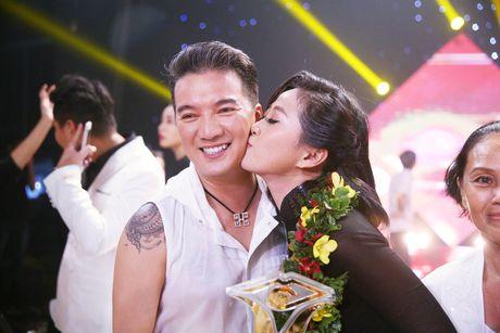Dam Vinh Hung cat toc Lieu Ha Trinh giup co len ngoi En Vang - Anh 5