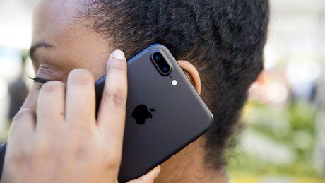 Bi nghi theo doi nguoi dung, Apple noi do la tinh nang iOS - Anh 1
