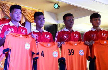 Tru cot U19 Viet Nam dau quan cho Ha Noi T&T, SHB Da Nang - Anh 1