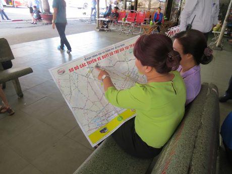 TP.HCM: Tang 10.000 ban do xe buyt cho nguoi dan - Anh 3