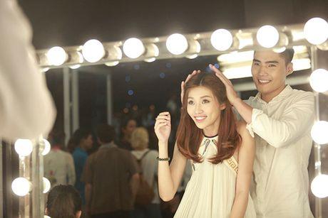 Hoan doi: Quang Hung chia tay Quynh Chau vi 'ham tien' - Anh 3