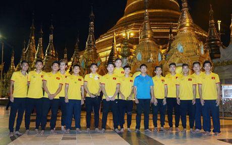 DT Viet Nam tham chua Vang cau may man tai AFF Cup 2016 - Anh 2