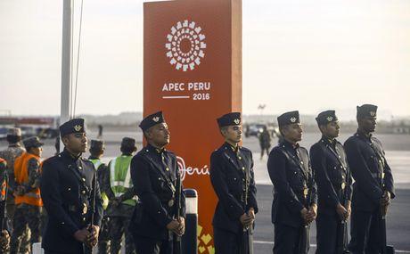 Hinh anh: Chu tich nuoc den Peru tham du APEC lan thu 24 - Anh 3