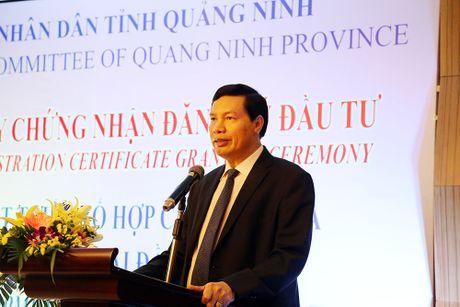 Quang Ninh trao giay chung nhan dau tu du an Khu cong nghiep 7.000 ty - Anh 1