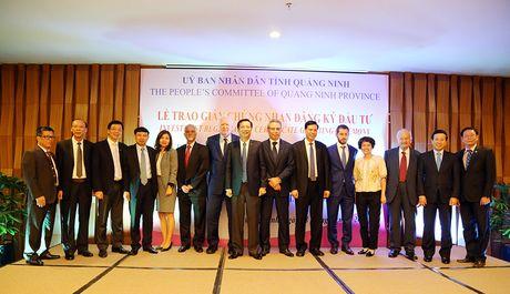 Quang Ninh trao giay chung nhan dau tu du an Khu cong nghiep 7.000 ty - Anh 3