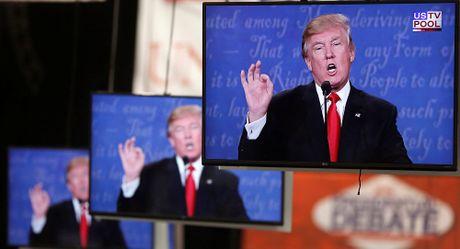 Donald Trump va cu 'dat mui' truyen thong ngoan muc - Anh 1