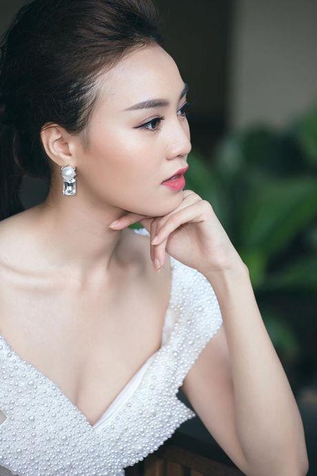 Choang voi dan my nu toan hoa-a hau va chan dai trong phim Viet ngan tap - Anh 12