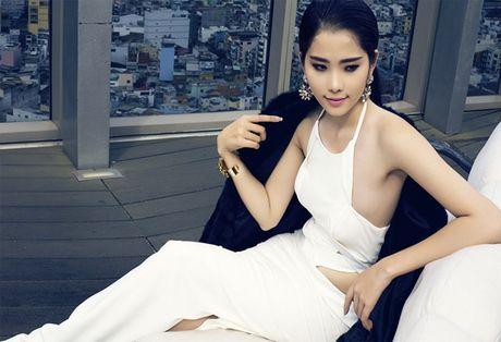 Choang voi dan my nu toan hoa-a hau va chan dai trong phim Viet ngan tap - Anh 18