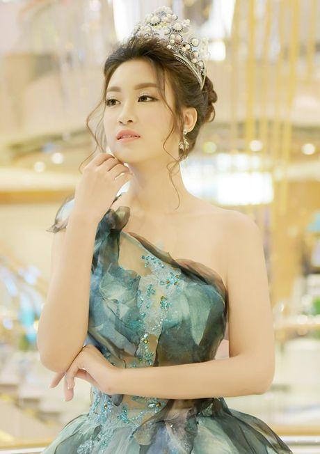 Choang voi dan my nu toan hoa-a hau va chan dai trong phim Viet ngan tap - Anh 21