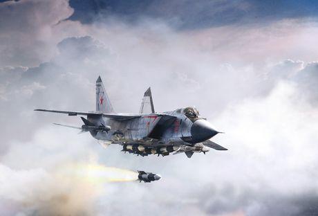 Suc manh 'quai thu bau troi' MiG-31 Nga dieu den Syria - Anh 1