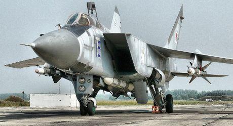 Suc manh 'quai thu bau troi' MiG-31 Nga dieu den Syria - Anh 2