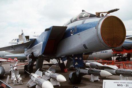 Suc manh 'quai thu bau troi' MiG-31 Nga dieu den Syria - Anh 3