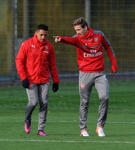 Chum anh: Sanchez hang say, Arsenal quyet dau Man Utd - Anh 10