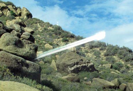 UFO chay sang phot ra tu vach nui o Nam California - Anh 1