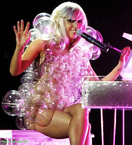 15 bo trang phuc khong giong ai cua Lady Gaga - Anh 11