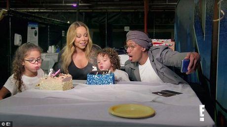 Canh la loi gay tuc mat cua Mariah Carey voi vu cong - Anh 7