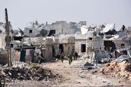 Quan Assad tan cong o at, Aleppo chim trong bien lua - Anh 1