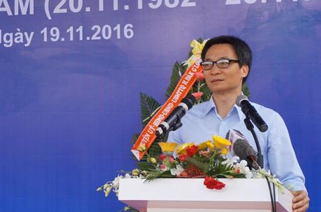Pho Thu tuong den dong vien giao vien vung sau nhan ngay 20/11 - Anh 1
