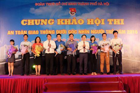 Soi dong dem chung khao 'An toan giao thong duoi goc nhin nguoi tre' thanh pho Ha Noi - Anh 2
