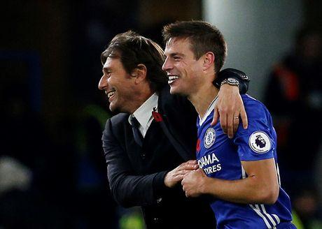 Thay tro Conte o Chelsea am tron danh hieu o thang 10 - Anh 1