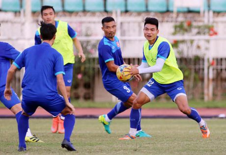 Tien ve Quang Huy: 'Chia tay AFF Cup 2016 khong phai la ket thuc...' - Anh 1