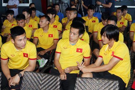 Dai su Viet Nam tai Myanmar tang tho cho thay tro HLV Huu Thang - Anh 15