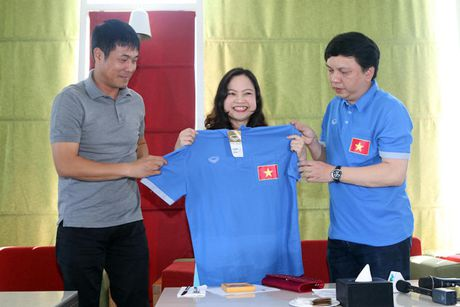 Dai su Viet Nam tai Myanmar tang tho cho thay tro HLV Huu Thang - Anh 1