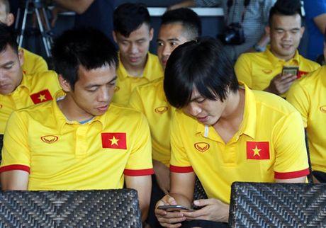 Dai su Viet Nam tai Myanmar tang tho cho thay tro HLV Huu Thang - Anh 6