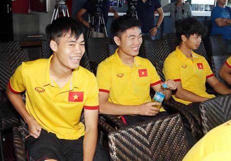 Dai su Viet Nam tai Myanmar tang tho cho thay tro HLV Huu Thang - Anh 7