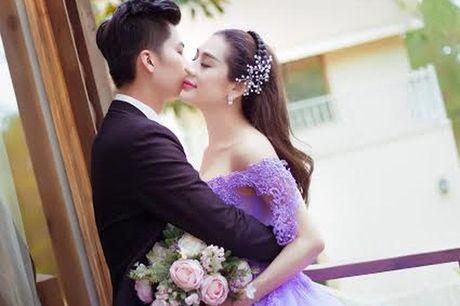 Lam Khanh Chi bat ngo tung anh cuoi dep me hon - Anh 1