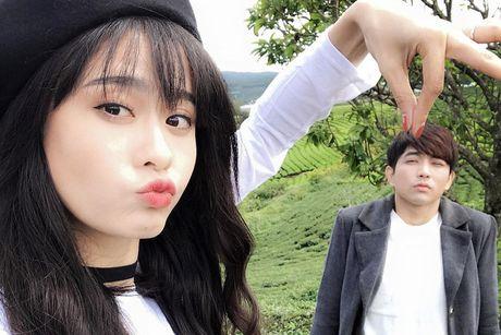 Vo chong Truong Quynh Anh nhi nho quay MV moi tai Da Lat - Anh 1