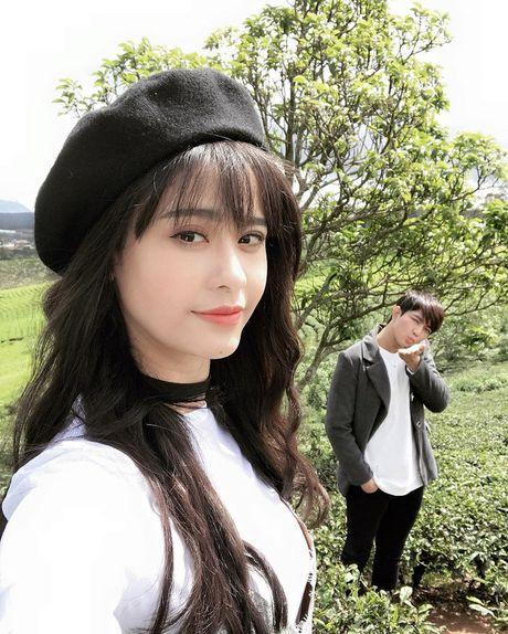 Vo chong Truong Quynh Anh nhi nho quay MV moi tai Da Lat - Anh 3