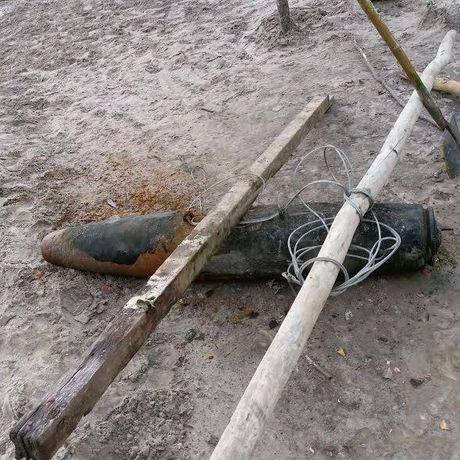 Phat hien bom 'khung', con nguyen kip no tai Ha Tinh - Anh 3