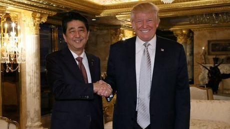 Ong Donald Trump moi trung cu, trat tu the gioi da thay doi? - Anh 1