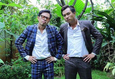 """Thai Hoa cung """"con trai hot boy"""" xuyen khong den the gioi moi - Anh 1"""