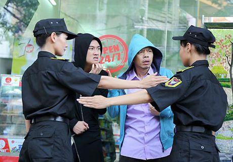 """Thai Hoa cung """"con trai hot boy"""" xuyen khong den the gioi moi - Anh 4"""