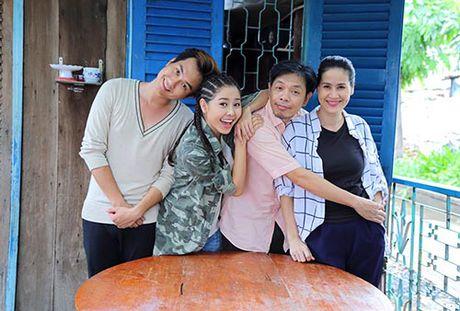 """Thai Hoa cung """"con trai hot boy"""" xuyen khong den the gioi moi - Anh 7"""