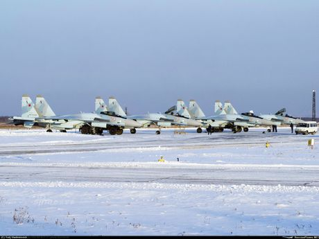 Vi sao thuong vu Trung Quoc mua Su-35 cua Nga bi tri hoan? - Anh 2