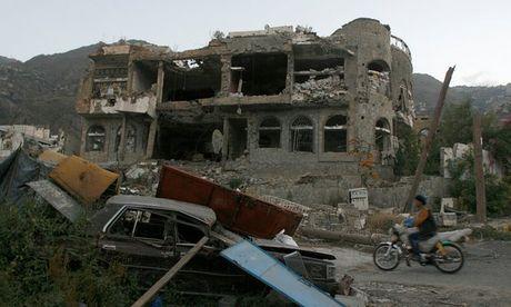 Phao kich cho Yemen, hon 20 nguoi thiet mang - Anh 1