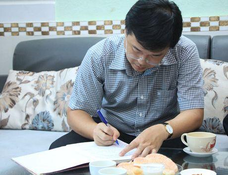 Bi thu thu nhat TU Doan tham hoi, chuc mung thay Nguyen Ngoc Ky - Anh 4