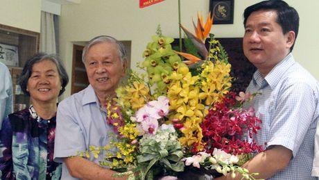 Bi thu Thang cung lanh dao thanh pho tham nguyen Giam doc So GD-DT TP.HCM - Anh 1