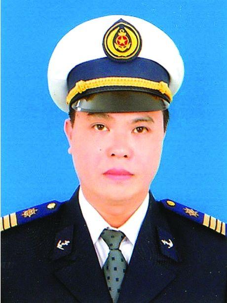 Cang vu DTND KVI: No luc dam bao ATGT duong thuy tai mien Trung - Anh 2