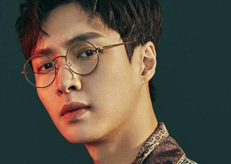 Lay (EXO) bi dan mang Han ghet vi hanh vi thieu lich su - Anh 1