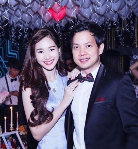 Ban trai thieu gia lam clip tang hoa hau Dang Thu Thao - Anh 1