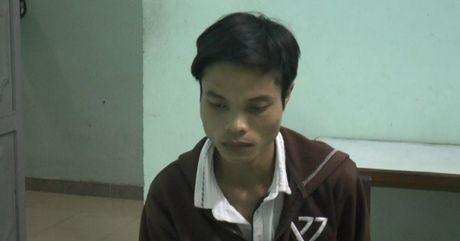 Da Nang: Bat doi tuong chuyen dot nhap vao chua de trom cap tai san - Anh 1