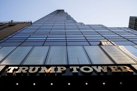 Hon loan dang ngu tri tai tang cao nhat cua Trump Tower - Anh 1